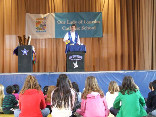 magic show in school Together, in this class dedicated to close-up magic, the founder and dean of the magic & mystery school will finally share their secrets for success at performing magic in the real world jeff and larry will show and teach you.